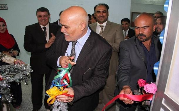 السيد رئيس الجامعة الأستاذ الدكتور حسن عودة الغانمي يفتتح أول عيادة في المستشفى التعليمي في كلية طب الاسنان