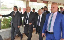 وزير التعليم العالي يزور كلية طب الاسنان في جامعة المثنى